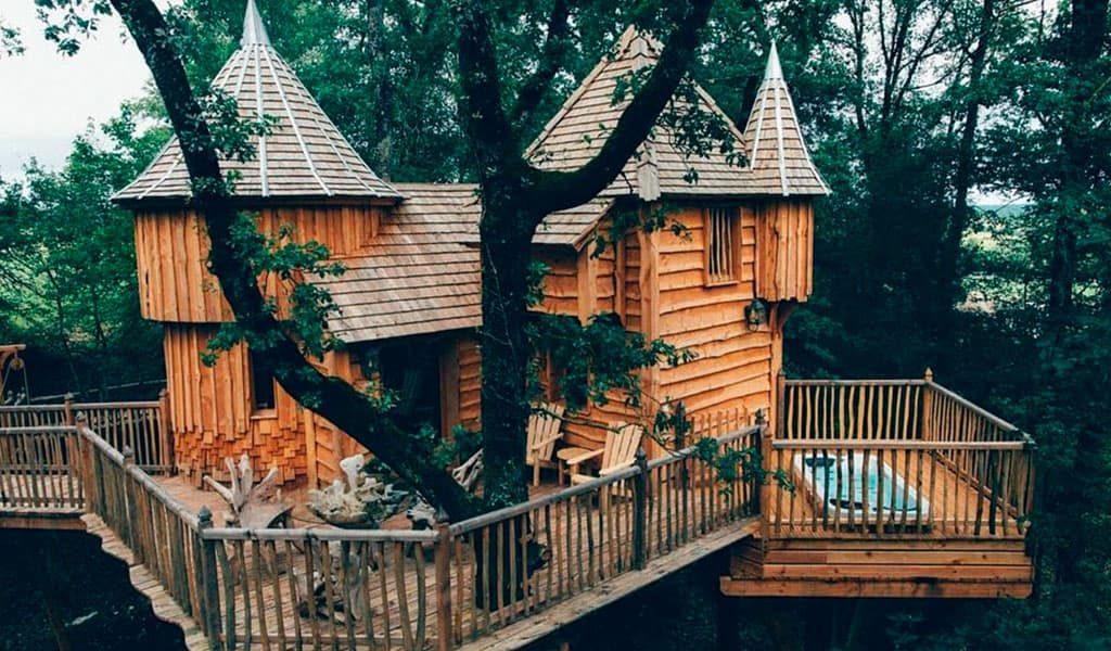 Домик на дереве Chateaux Dans les Arbres