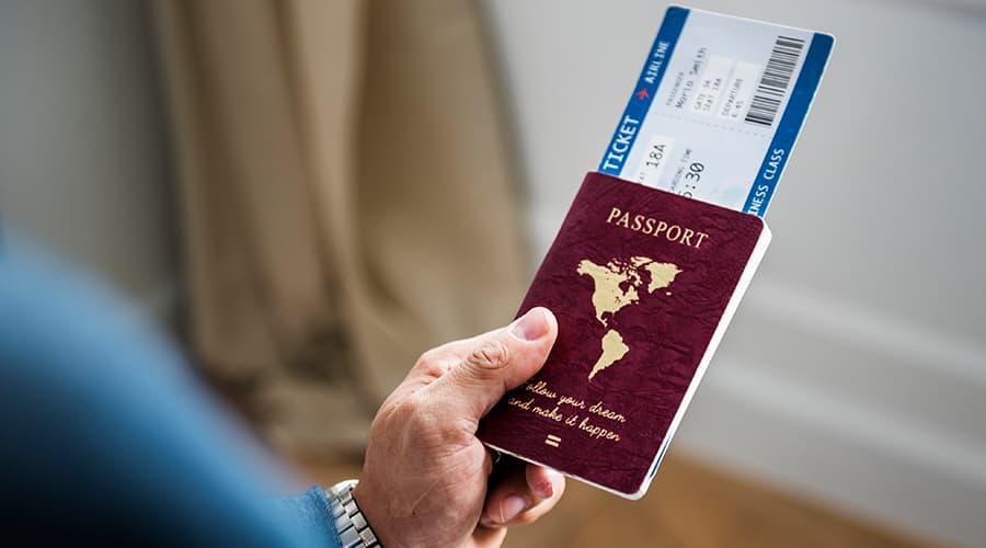 Первый полет на самолете: что нужно знать Airplane ticket