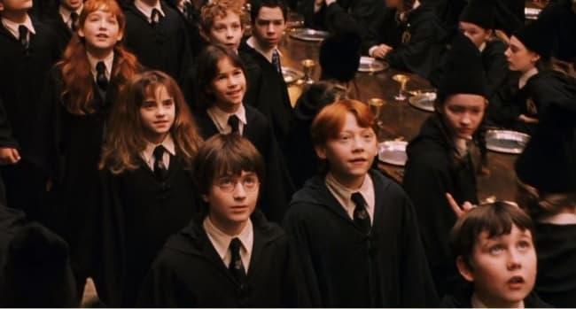 Гарри Поттер и философский камень, школа магии и волшебства Хогвардс, Большой зал
