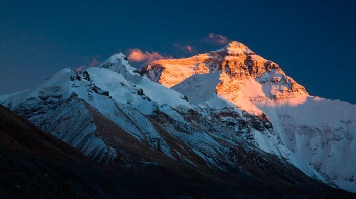 Гора Эверест: история первого восхождения