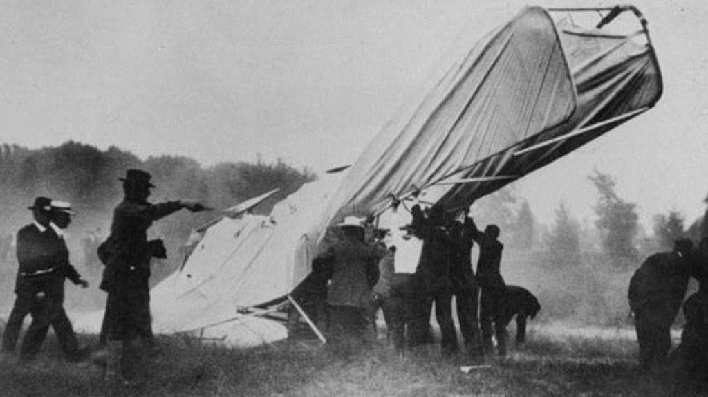 Карл Гарри Клауди, авиакатастрофа, первая фотография в мире