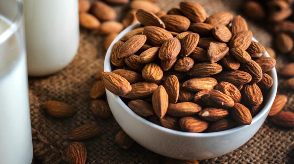 Миндаль польза, миндальные орехи