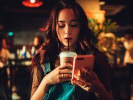 Как перестать следить за бывшим в социальных сетях и почему так происходит?
