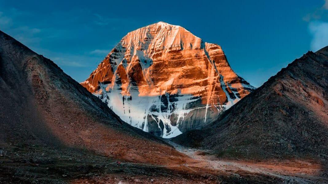 Кайлас – священная гора в Тибете, которую никто не покоряет