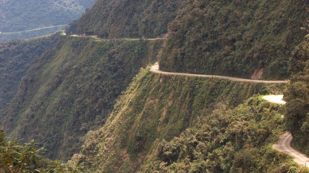 Дорога cмерти Юнгас, Боливия, опасные дороги, лайфхаб, путешествия, lifehub, travel, road