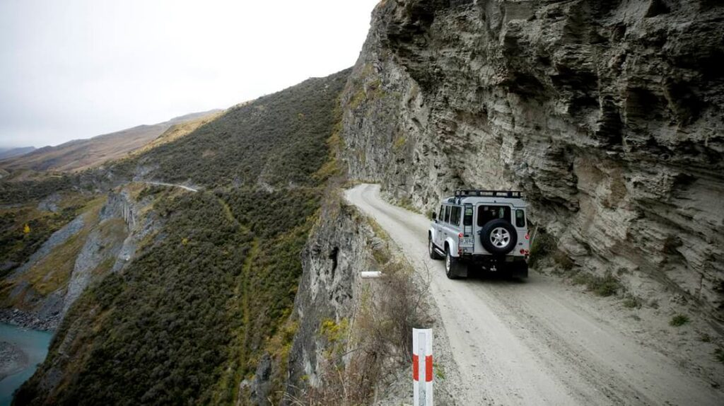 Дорога возле каньона Скипперс, Новая Зеландия, опасные дороги, экстремальные дороги, лайфхаб, путешествия, куда поехать, lifehub, travel, road