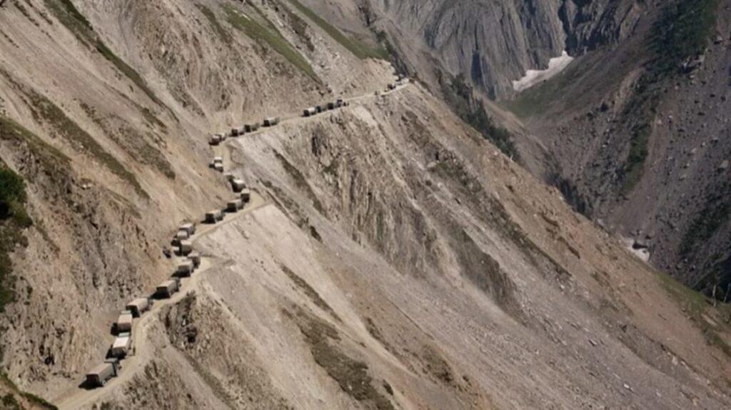 Перевал Зоджи Ла Пасс, Индия, опасные дороги, лайфхаб, путешествия, экстрим, lifehub, travel, road