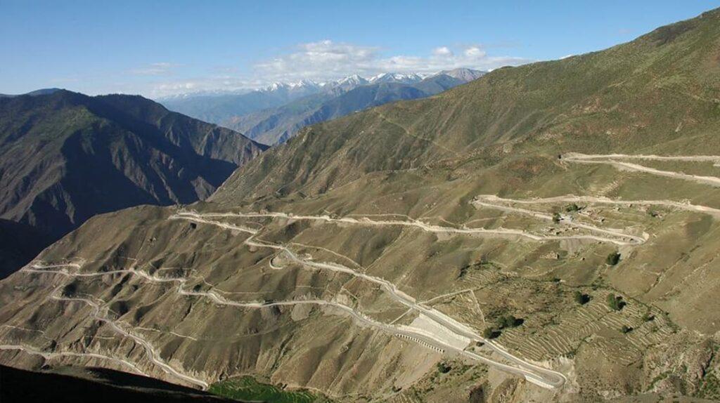 Шоссе Чэнду – Лхасе, Китай, Тибет, Сычуань, опасные дороги, путешествия, куда поехать, дорога, лайфхаб, lifehub, road, travel