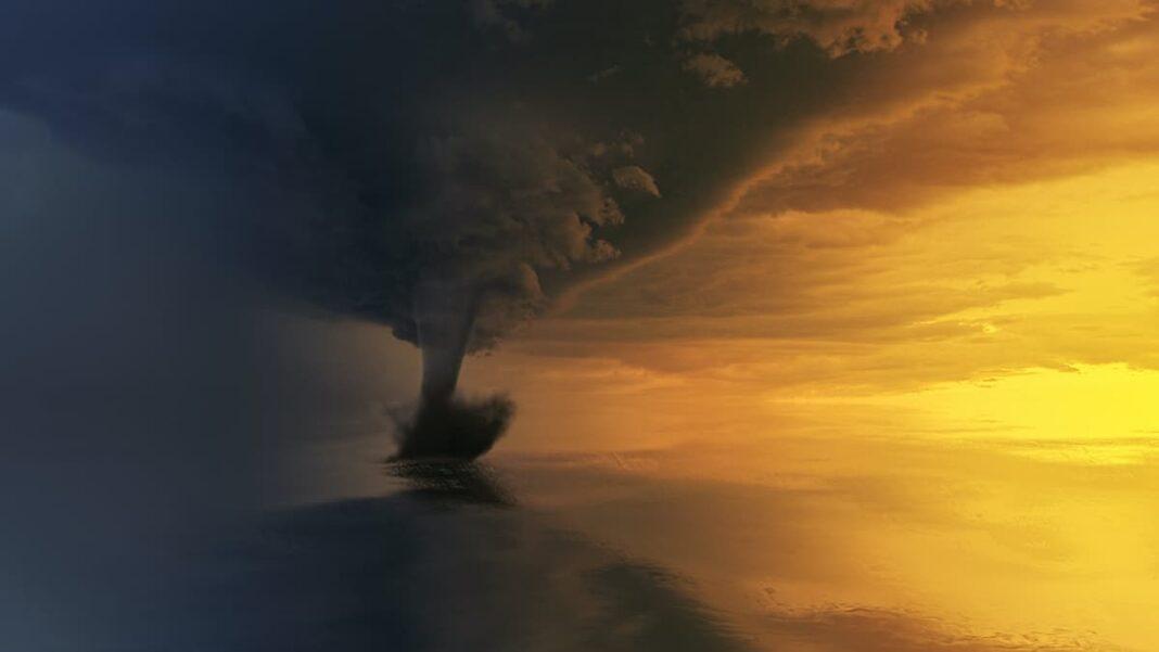 Кто придумывает имена ураганам?