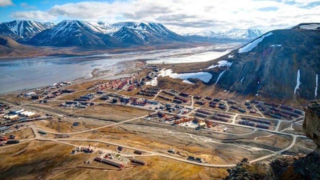 Лонгйир, Норвегия, город, в котором нельзя умирать, самый северный город мира, лайфхаб, lifehub, куда поехать, путешествия, Longyearbyen