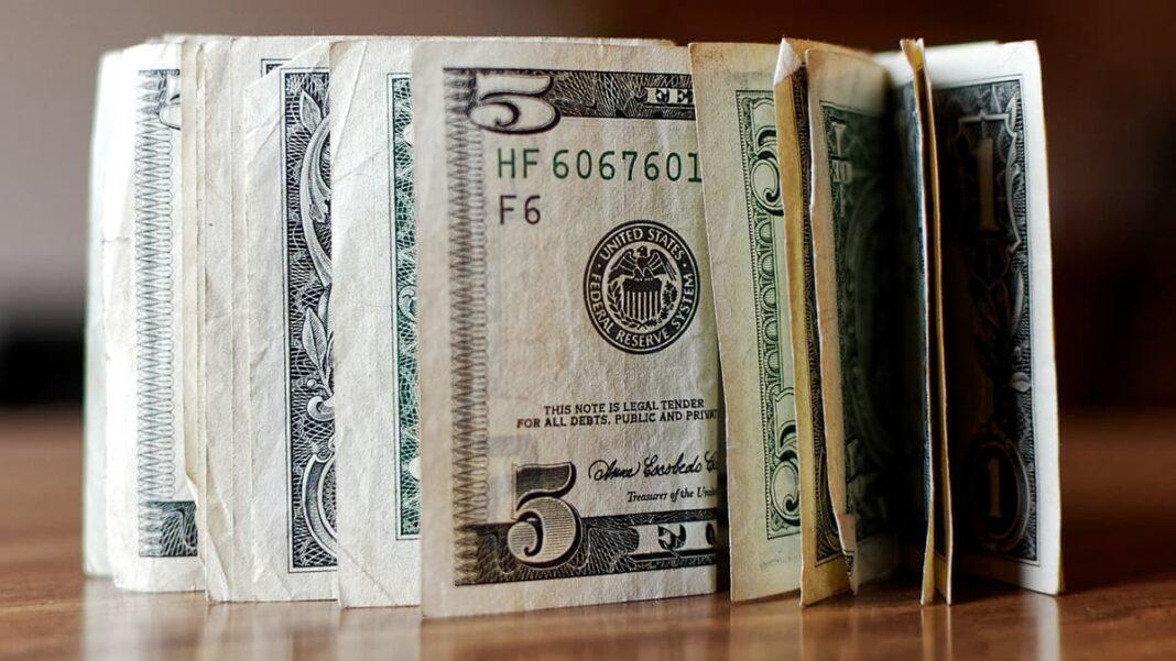 Ведение личного бюджета: 10 отговорок, которые делают вас беднее