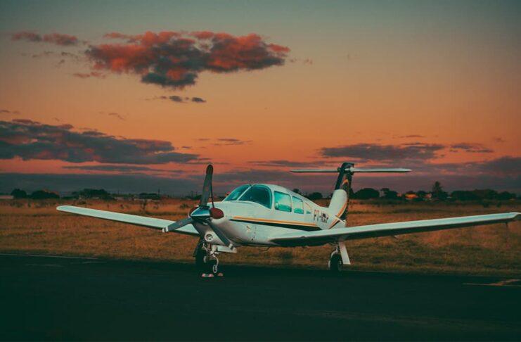 Сколько длится самый короткий полет на самолете?