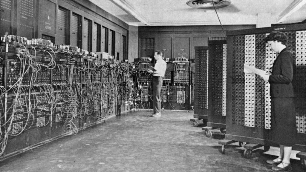 ENIAC, Electronic Numerical Integrator and Computer, Электронный числовой интегратор и вычислитель, первый компьютер, история интернета, лайфхаб, lifehub