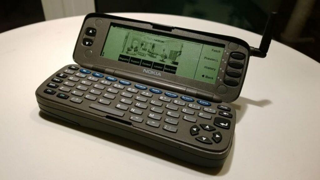 Телефон коммуникатор Nokia 9000, старая Nokia, мобильный интернет, первый мобильный интернет, история интернета, лайфхаб, lifehub
